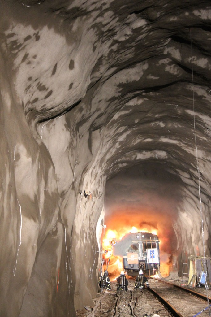 In autumn 2011, full-scale fire tests were carried out in one of the Swedish Transport Administration's abandoned tunnels outside Arvika.